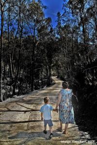 La imatge de Ximo Ferri està presa al camí de la Cuta (a Llocnou de Sant Jeroni, 2011).